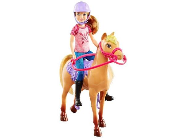 Barbie camping Stacie y potro DYX18