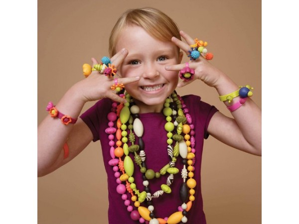 B. Kit diseño joyas pulseras collares de plástico